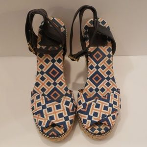 Tory Burch blue, white, gold wedge sandals sz 9B